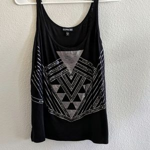 Black geometric tank top